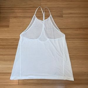 Workout tank with mesh cutouts